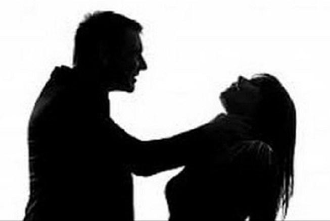 Bắt giữ kẻ đánh vợ hờ đang mang thai đến tử vong