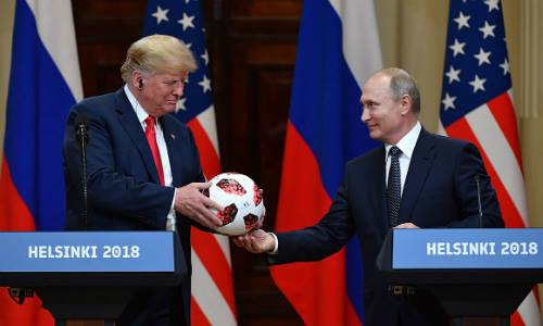 Trận cuồng phong Trump quét qua châu Âu