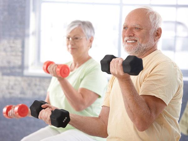 5 bệnh lý làm giảm sức yêu ở người cao tuổi