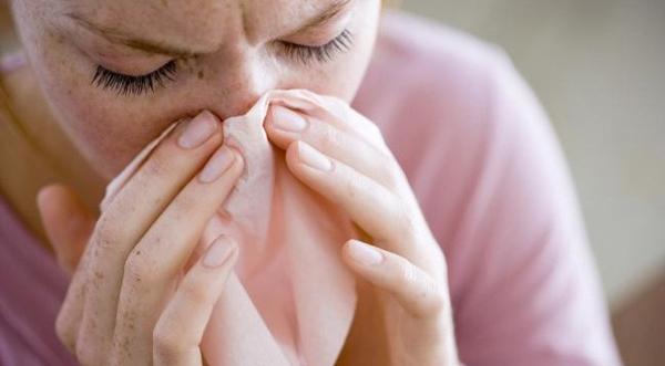 Cảm lạnh mùa hè - bệnh nhẹ nhưng chớ chủ quan