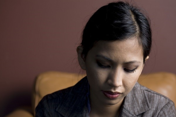 Em có nên nghe lời chồng quỳ xuống xin lỗi mẹ chồng vì những gì đã viết trên facebook và khiến mẹ anh đòi cho đi thẳng?