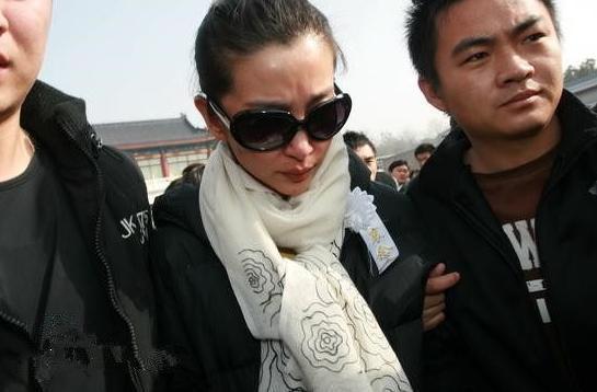 Số phận bi thảm của tình đầu Huỳnh Hiểu Minh: Chưa kịp tận hưởng thành công đã đột ngột ra đi ở tuổi 33 vì bệnh hiểm nghèo