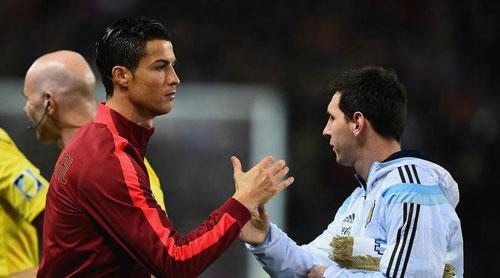 Simeone: Messi hay hơn Ronaldo nếu có đồng đội giỏi