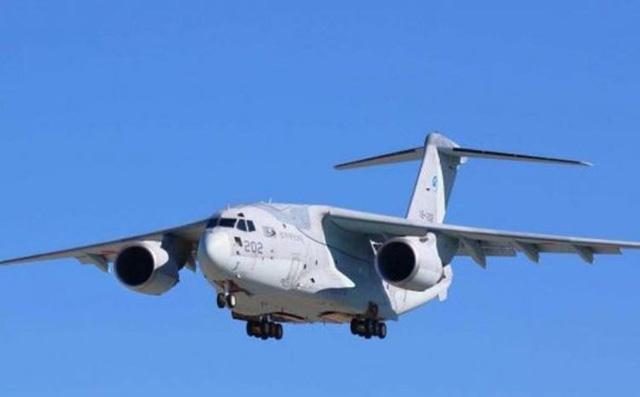 Nhật mua tên lửa hành trình tầm xa, máy bay tác chiến điện tử răn đe Trung Quốc