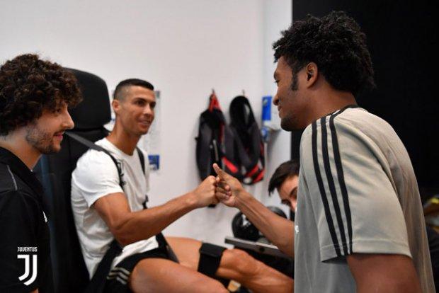 Ronaldo hội tụ cùng dàn sao Juventus
