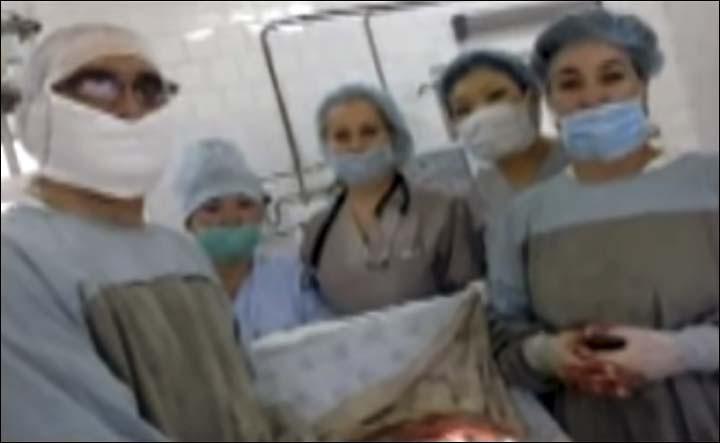 Hiếm gặp: Mang thai suốt 41 tuần không đi siêu âm, đến lúc đẻ bác sĩ phát hiện sự thật không thể tin nổi
