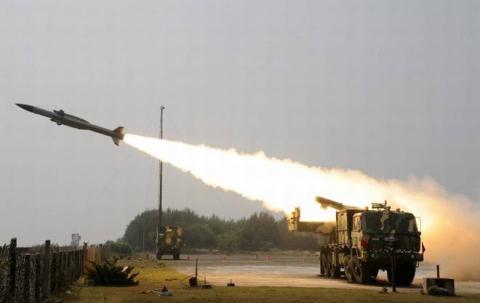 Việt Nam có cần mua tên lửa Akash?