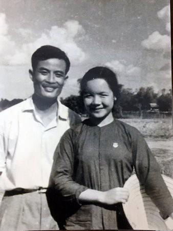 NSƯT Đức Lưu: Cảnh Chí Phèo lật yếm Thị Nở, chồng tôi bị hỏi vợ mày nhận bao nhiêu tiền đóng vai đó?