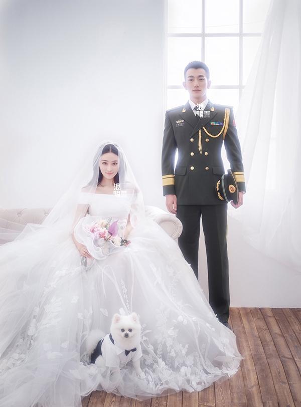 Giữa tin Băng Phạm bị bắt, tình địch một thời cao tay khoe ảnh cưới với soái ca quân nhân