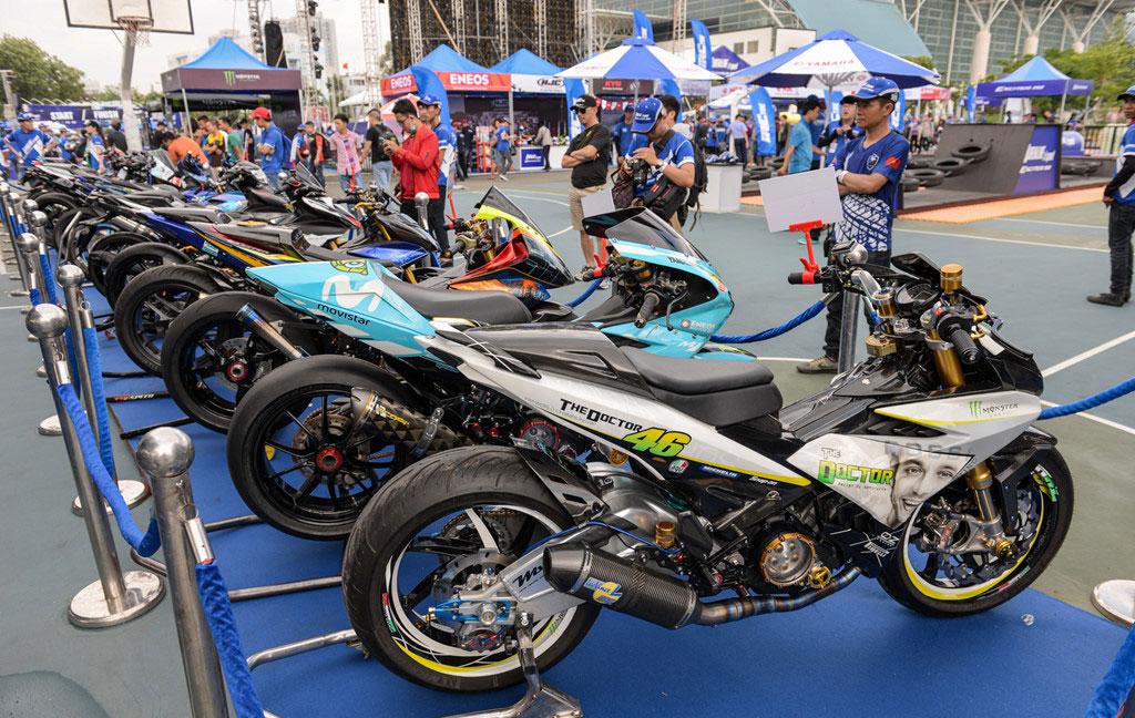 Gần 50 chiếc Yamaha Exciter độ tập trung tại Sài Gòn