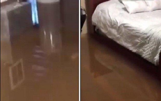 Lụt lội kinh hoàng ở Mỹ, nước ngập tới chân giường