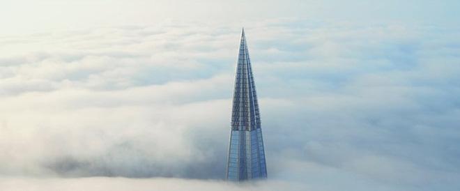 Ảnh: Chóng mặt với tòa tháp cao nhất châu Âu sắp hoàn thành tại Nga