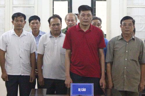 Hoãn xét xử phúc thẩm 10 cựu quan xã 'xẻ thịt' đất ở Đồng Tâm