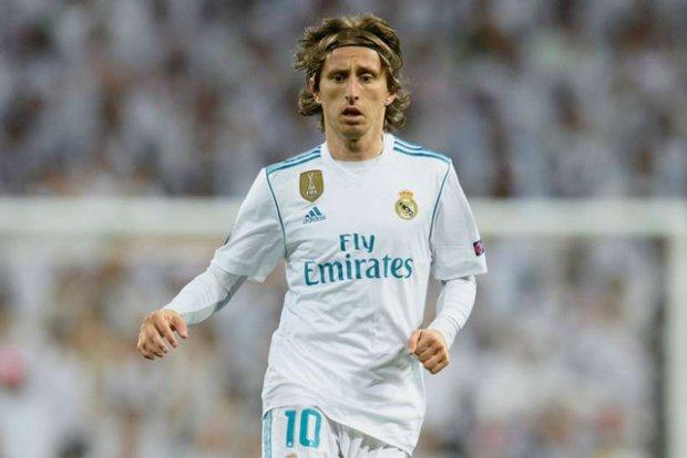 Nhận lương 'khủng', Modric đồng ý ở lại Real