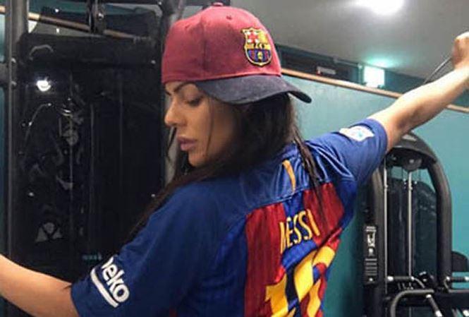Messi tha thứ cho người đẹp siêu vòng 3