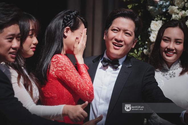 Đám cưới Trường Giang - Nhã Phương: Hàng ngàn hình ảnh ngọt ngào cũng không bằng loạt khoảnh khắc hạnh phúc đắt giá này