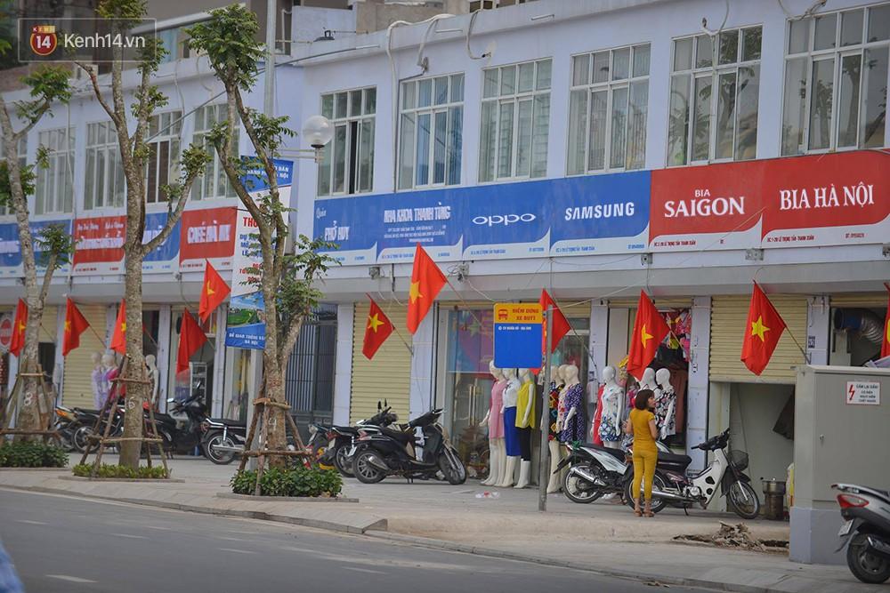 Tuyến phố kiểu mẫu đầu tiên ở Hà Nội thất bại sau 2 năm thử nghiệm đồng phục biển hiệu