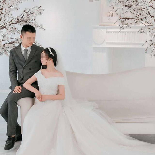 Vừa kết hôn được 4 ngày, đôi vợ chồng trẻ chết thảm vì rơi xuống hố tử thần