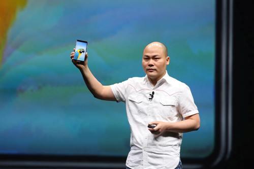Lý do khiến cho Bphone 3 của CEO Quảng nổ không thể thất bại?