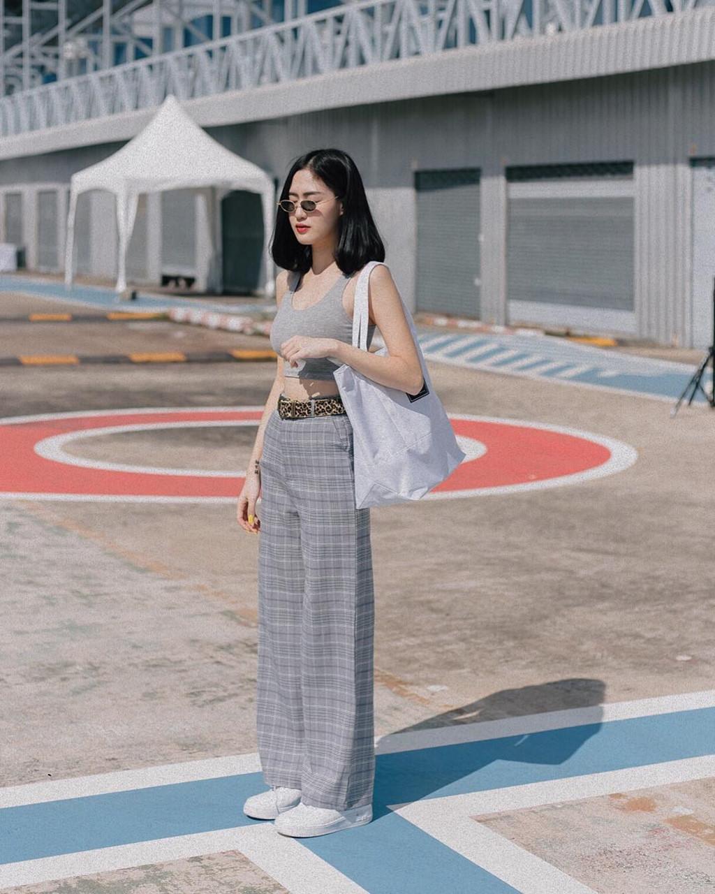 Hot girl Thái Lan có vòng eo con kiến, trẻ hơn nhiều so với tuổi 30