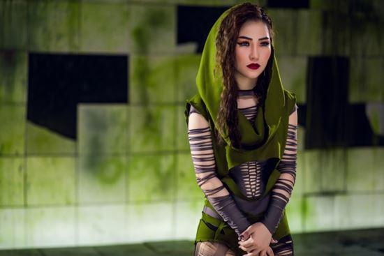 Bộ 3 Hương Tràm - Tóc Tiên - Bảo Anh: Váy áo ngày càng táo bạo