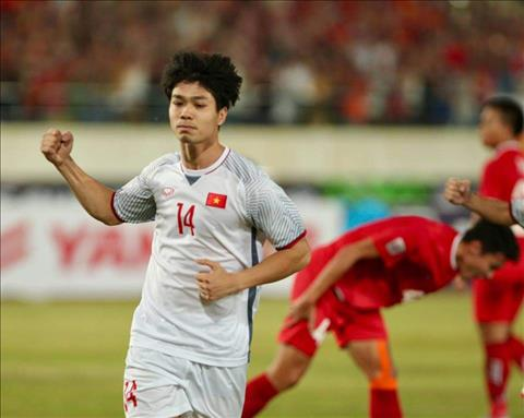 Người hùng AFF Cup 2008 ấn tượng với bàn thắng của Công Phượng