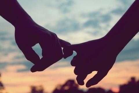 Bị người yêu chia tay vì ngủ với nhiều người để thỏa mãn sinh lý, cô gái vẫn trách người yêu quá lạnh lùng