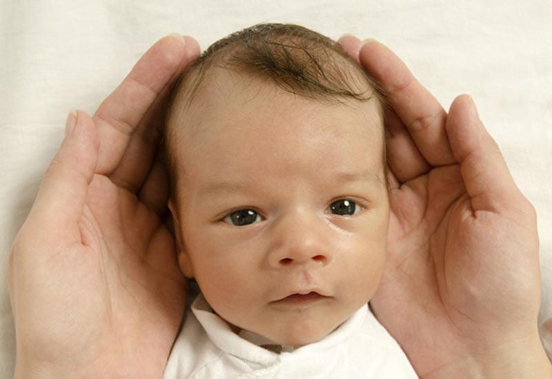 Đứa trẻ có xoáy tóc này, vừa sinh ra đã tài giỏi hơn người, lớn lên sẽ thành đạt giàu có