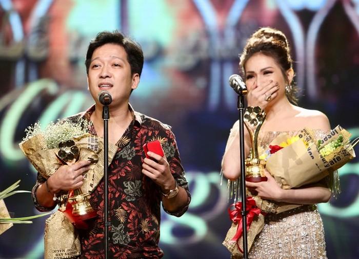 Chiếm sóng để cầu hôn Nhã Phương trên sóng truyền hình, Trường Giang bị loại khỏi Mai Vàng 2018