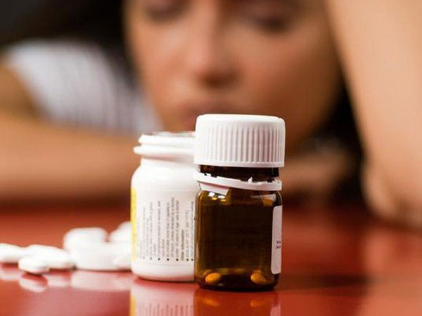 Bị đau bụng, nam bệnh nhân uống nhầm 15 viên thuốc trị trầm cảm