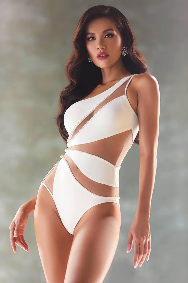 Minh Tú tung ảnh bikini nóng bỏng nhưng dân mạng lại đồng loạt gọi tên Lan Khuê