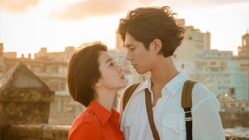 'Bom tấn' Encounter của Song Hye Kyo bị 'bỏ rơi' vì fan Hàn - Việt bận xem Bán kết AFF Cup!