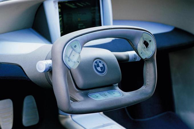 Những kiểu vô-lăng ôtô lạ mắt nhất thế giới - 11