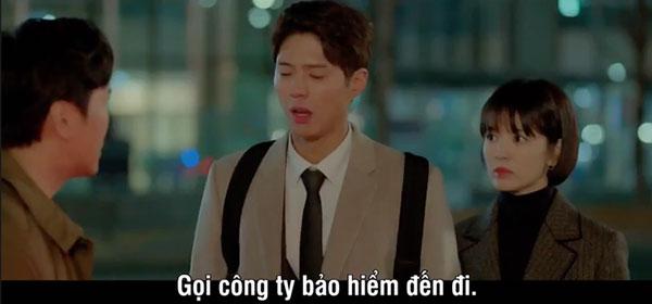 Mải mê ngắm trai trẻ, Song Hye Kyo tự gây tai nạn - 5