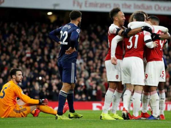 Vùi dập đội bóng mới lên hạng, Arsenal khởi động năm 2019 đầy thuận lợi