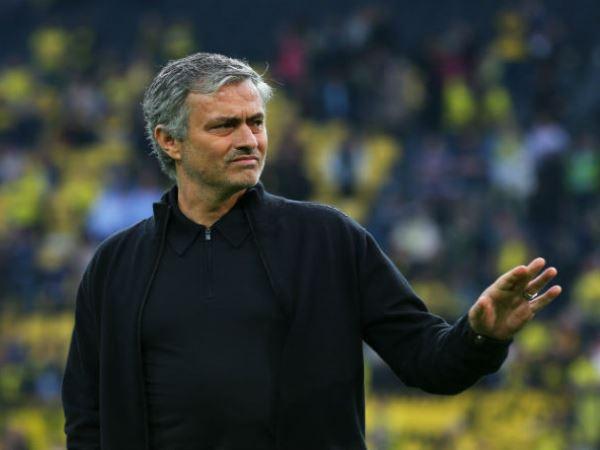 HLV Mourinho đồng ý bình luận... Asian Cup