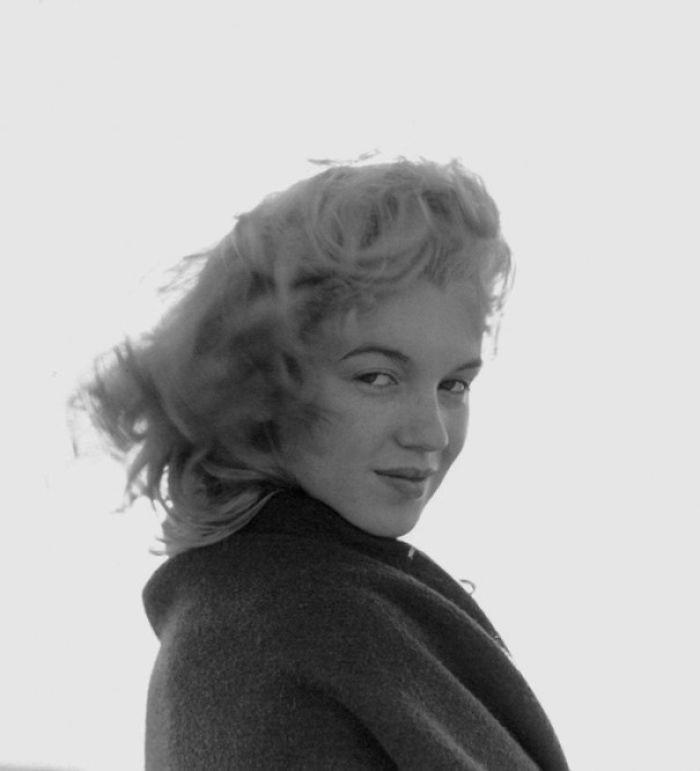 Hé lộ loạt ảnh hiếm thời chưa nổi tiếng của quả bom sex Marilyn Monroe
