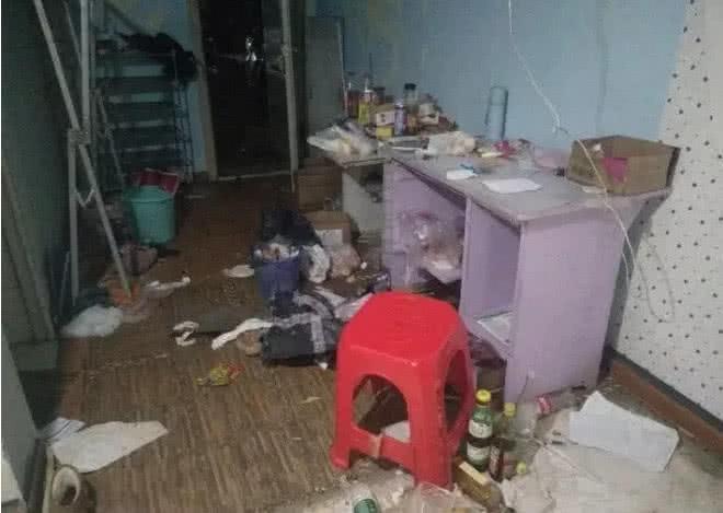 Cho nữ sinh viên thuê phòng trọ, chủ nhà tá hoả khi nhà mình biến thành bãi rác khổng lồ, bốc mùi hôi thối