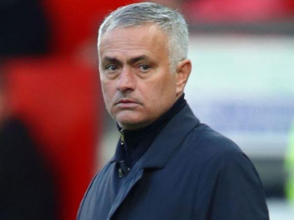 Mourinho từ chối 3 lời đề nghị, chưa hết cay cú vụ bị sa thải