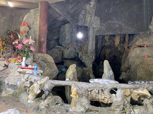 Nhóm dựng điểm tâm linh giả ở chùa Hương bị phạt 24 triệu đồng