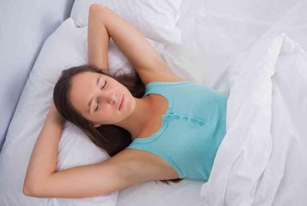 Sửa ngay 2 tư thế ngủ sai lầm khiến bạn uể oải, mệt mỏi vào mỗi sáng thức dậy