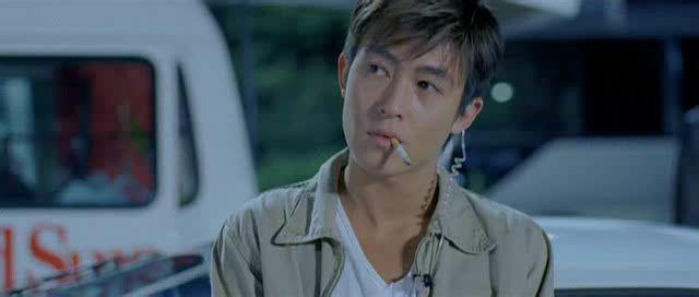 Phong cách thời trang của trai hư Trần Quán Hy qua năm tháng