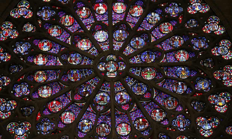 Mão gai, Đinh Thánh và những báu vật vô giá của Nhà thờ Đức Bà Paris