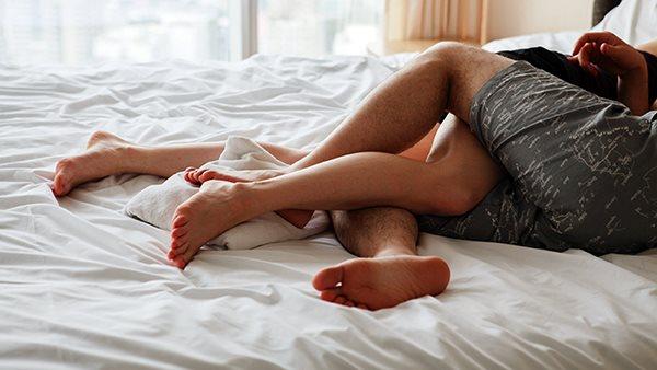 Khi vợ chồng sống chung lâu, đàn ông mất hứng thú tình dục sớm hơn phụ nữ