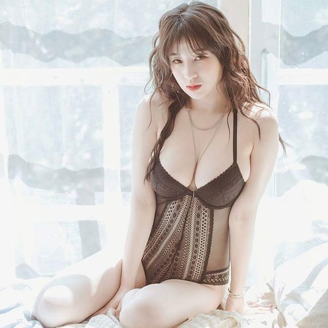 3 'siêu phẩm tạp chí đàn ông Hàn' có vẻ đẹp khêu gợi, rất đỗi đàn bà - 4