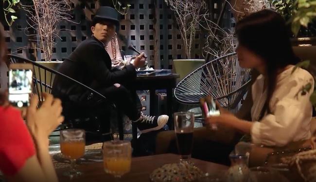 Mê Cung tập 2: Cảnh soái ca thành tên biến thái, tốc váy, vỗ mông gái trẻ giữa quán cà phê khiến fan khiếp vía