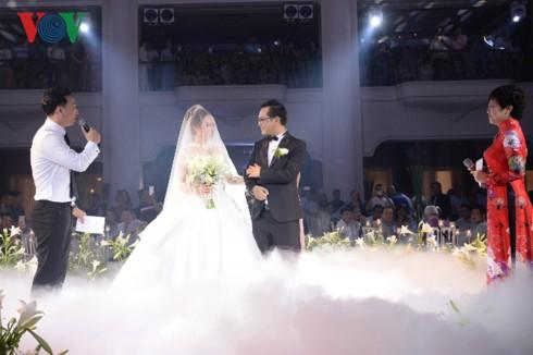 Thảo Vân, Thành Trung sốc khi bị đạo diễn Trần Lực chê dẫn đám cưới nghe cứ thớ lợ, giả dối