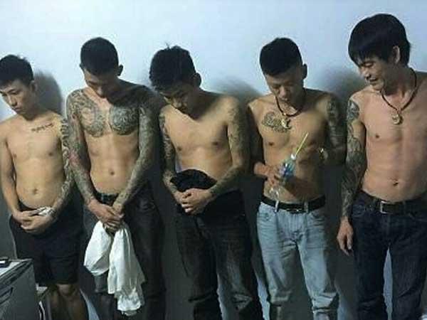 Hà Tĩnh: 5 thanh niên thuê khách sạn mở 'tiệc ma túy đá'