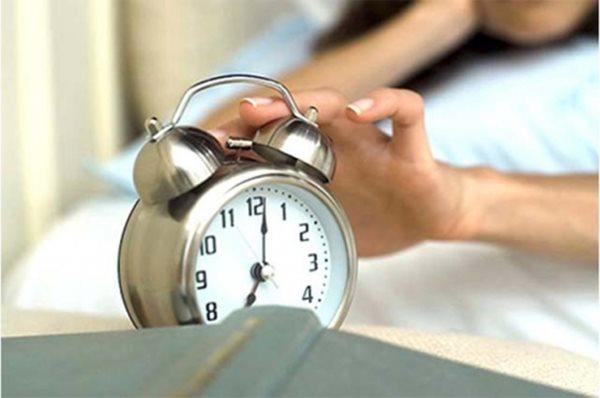 7 đồ vật nên tránh xa khi ngủ, nếu không cẩn thận có thể gây tai nạn chết người