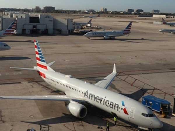 Mỹ ngừng mọi chuyến bay đến Venezuela